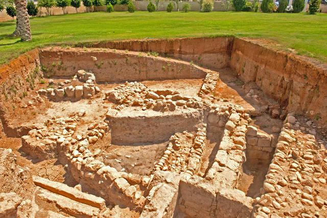 Археологический раскоп комплекса византийского периода