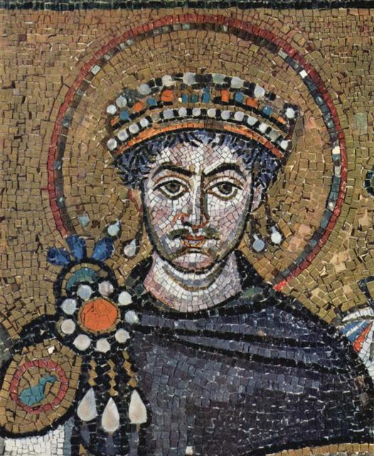 Мозаичная икона византийского императора Юстиниана I в церкви св. Виталия в итальянском городе Равенна